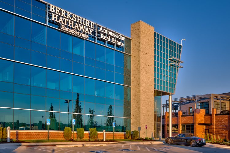 Why Investing in Berkshire Hathaway can be Lucrative